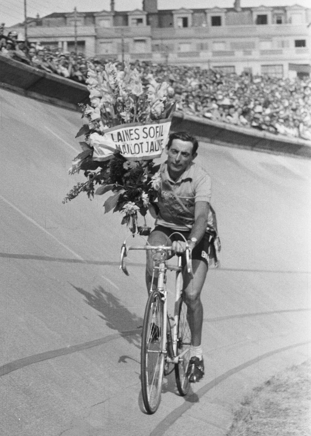 1133247174_Fausto_Coppi_Tour_de_France_1952_02.thumb.jpg.a5b6fc4928ffb5f3e7f6277284fe1665.jpg