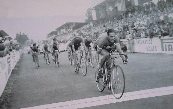 ferdinand-kubler-vince-campionato-mondiale-a-Varese.jpg.4be0f42eabbd999a0d187a84e7f39ae4.jpg